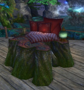 Rynraff combines red cushions with iron pine stumps for a woodsy reclining seat. 'Friends' by Rinraff@Deepwood.